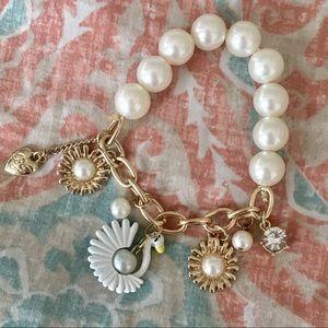 Betsey Johnson Swan Pearl Stretch Charm Bracelet ✨